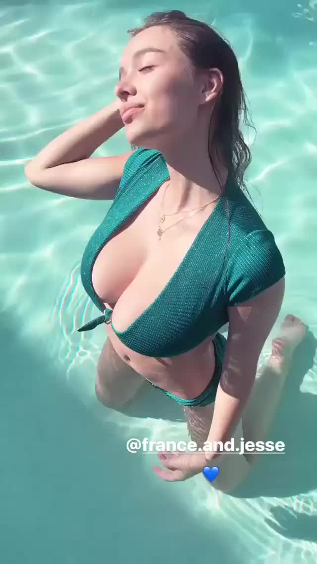Watch and share Sophie Mudd GIFs on Gfycat
