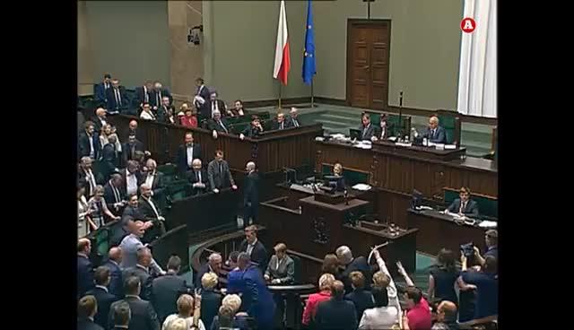 Watch and share Jarosław Kaczyński Nie Wytrzymał! Takich Nerwów Jeszcze Nie Było!  (18.07.2017) GIFs on Gfycat