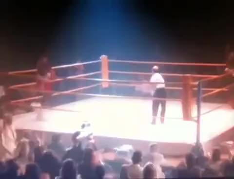 Watch combat de boxe HS GIF on Gfycat. Discover more hot shot boxe GIFs on Gfycat