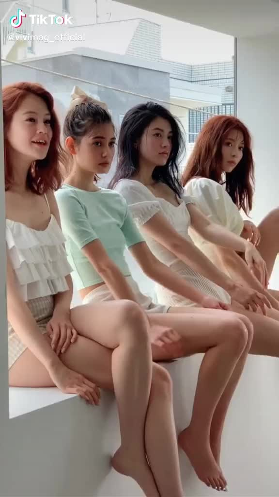 Watch and share Japanese Girls GIFs and Viviモデル GIFs by TikTok JP on Gfycat
