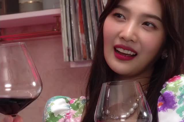 Watch and share Park Sooyoung GIFs and Music Video GIFs by renebaebae on Gfycat