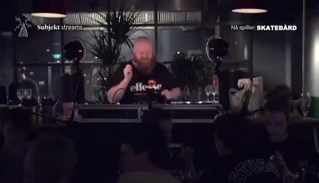 Watch and share Skatebård Subjekt Stream Paleet Oslo 28.10.2016 GIFs on Gfycat