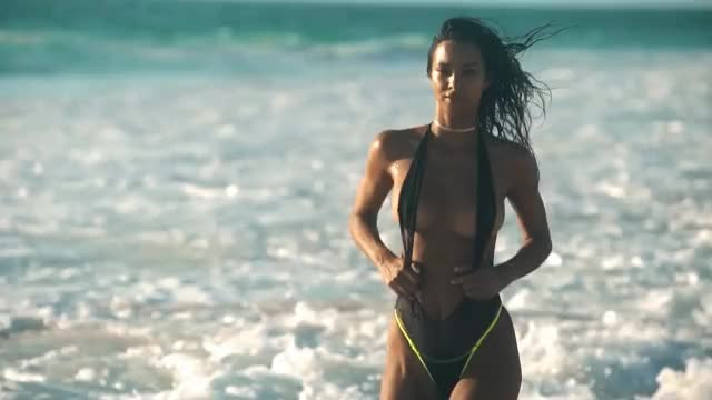 Watch and share Lais Ribeiro GIFs by shapesus on Gfycat
