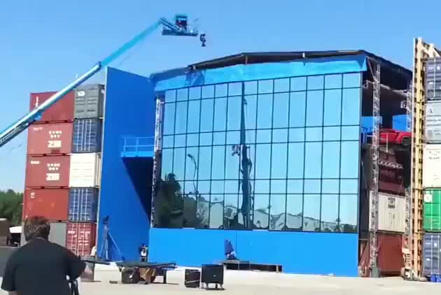 Shooting the car building-jumping scene in Fast and Furious 7 GIFs