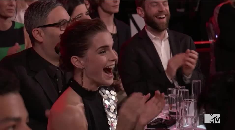 clap, clapping, emma watson, mtv awards, mtv awards 2017, mtvawards, mtvawards2017, shocked, surprised, wow, Emma is stunned MTV Awards 2017 GIFs
