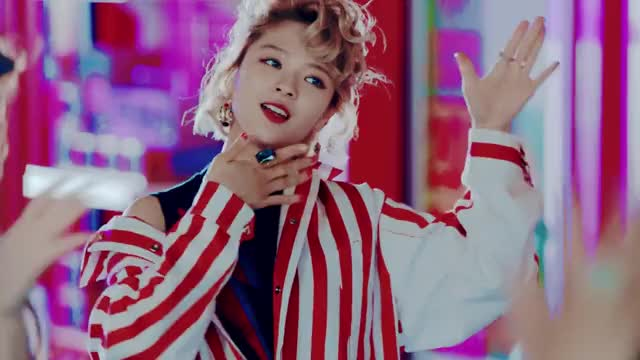 Watch and share Twice Signal GIFs and Jeongyeon GIFs by PanTward on Gfycat