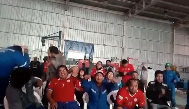 Watch and share La Mejor Reacción CHILE-PORTUGAL (0-0) (3-0) COPA CONFEDERACIONES RUSIA 2017 GIFs on Gfycat
