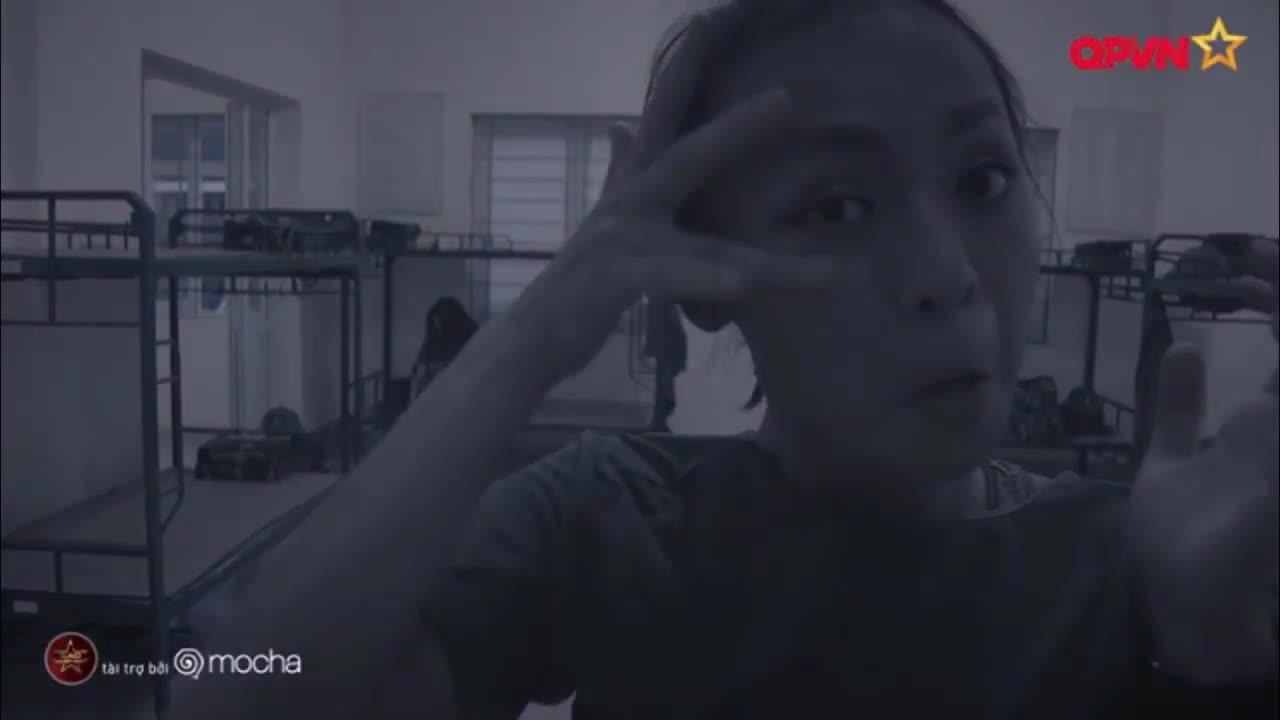 Đứng trước nguy cơ tiếp tục mất chân mày, Mai Ngô cầu cứu Hương Giang xin giữ lại đồ make-up