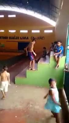 Watch and share Mortal GIFs by Ah Negão on Gfycat