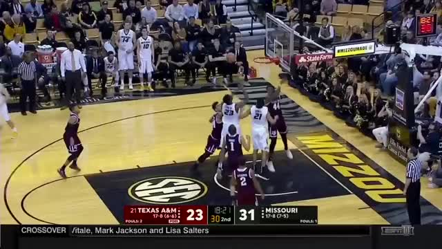 Watch and share Hogg Rebound Transition GIFs by umhoops on Gfycat