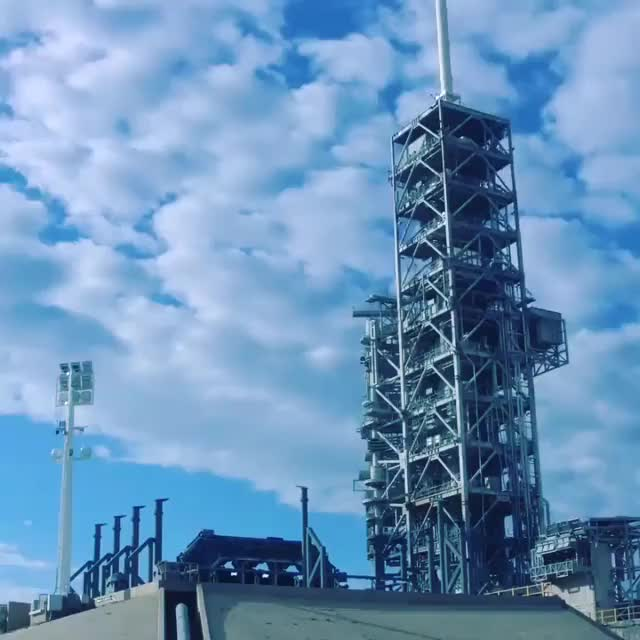 Watch and share How I Felt Watching Flacon Heavy Boosters Landing GIFs by Mirko Ivančić on Gfycat