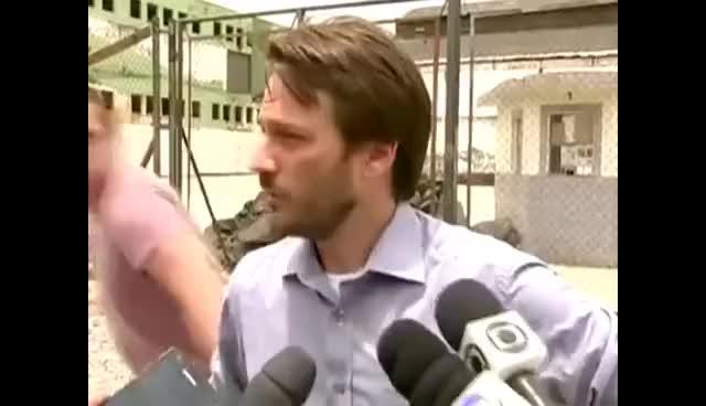 Watch and share Secretário De Ordem Pública Leva Soco (É Mentira!). GIFs on Gfycat