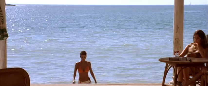 beaches, bikini, halle berry, lady, woman, Halle Berry - 007 Bond Girl GIFs