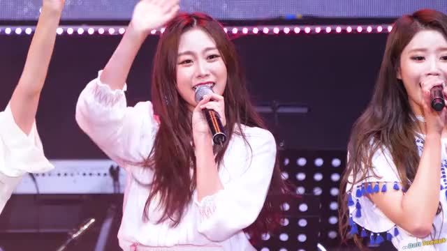 Watch and share Lovelyz GIFs and Jisoo GIFs by tozima95 on Gfycat