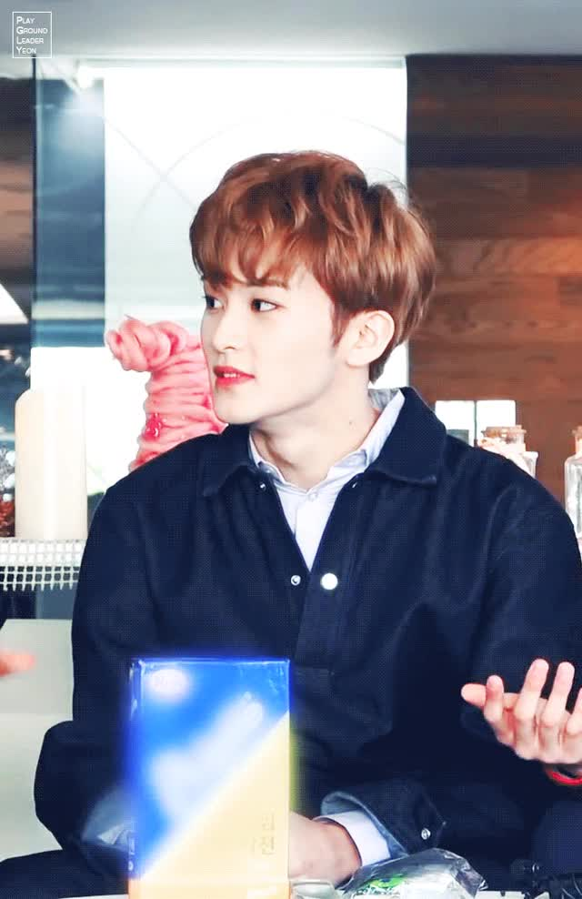 Watch and share 마크 뭐 GIFs by PGLY on Gfycat