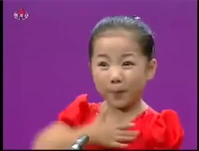 Watch and share Coreana 3 Aninhos Cantando GIFs on Gfycat