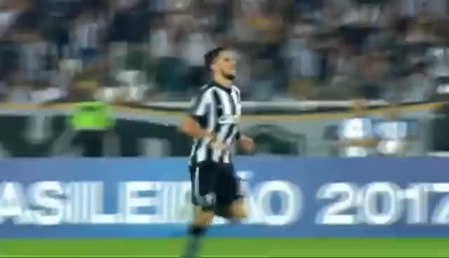 Watch and share PIMPÃO SAMBANDO EM FRENTE AO GOLEIRO DO BAHIA GIFs on Gfycat