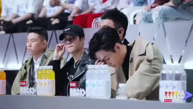 EXO, EXO gif, EXO gifs, Idol Producer, Lay, Lay EXO gif, Lay gif, Yixing, Yixing gif, Zhang Yixing, Zhang Yixing gif, excuse me, king of china, omg, um, whoa, wtf, Annoyed AF GIFs