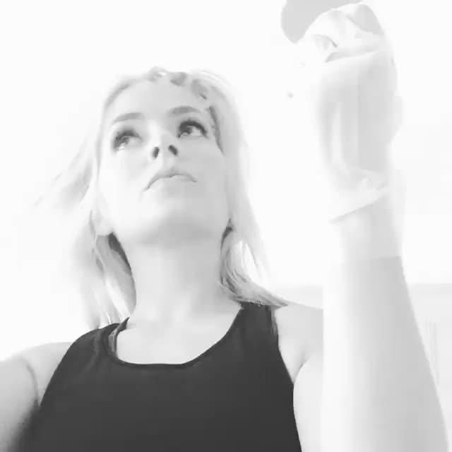 TheHollyWilloughby,  GIFs
