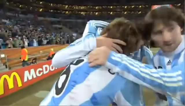 Argentina, bang, camera, football, funny, slap, soccer, Soccer GIFs
