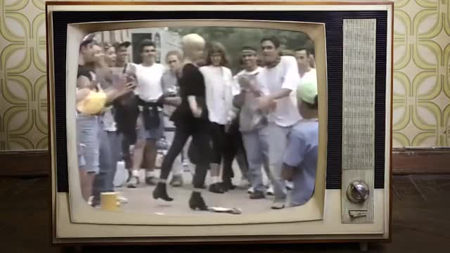 Watch Boicote, Sexo no palco e Primeira vez no Brasil! | GIRLIE SHOW TOUR 1993 (Shows da Madonna) GIF on Gfycat. Discover more Live, Vinyl, brasil, cinema, erotica, hbo, madonna, musical, vogue GIFs on Gfycat