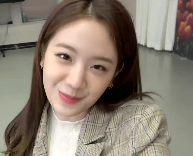 Watch and share Gyuri GIFs and Kpop GIFs by Hyosung on Gfycat