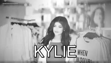 Watch Kendall & Kylie Jenner style and news GIF on Gfycat. Discover more Happy18thBirthdayKylie, KyliesTurning18ImScared, king Kylie, kj, kylie jenner, kylie jenner gif, kylies18thbirthday, myedit GIFs on Gfycat