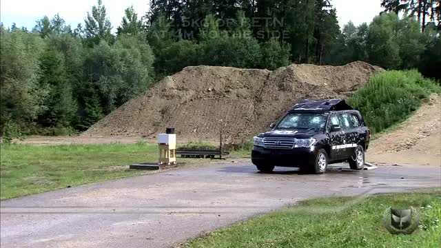 Watch The blast from 12.5kg of PETN washes over an armored Landcruiser (reddit) GIF on Gfycat. Discover more shockwaveporn GIFs on Gfycat