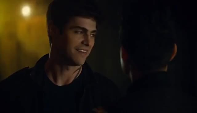 """Watch Shadowhunters 2x20 """"Magnus and Alec Kiss and Gets Back Together"""" Malec Scene Season 2 Episode 20 GIF on Gfycat. Discover more related GIFs on Gfycat"""