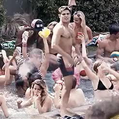 Watch http://atumblirofwine.tumblr.com/ GIF on Gfycat. Discover more the neighbors, zac efron GIFs on Gfycat