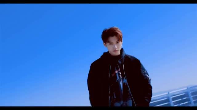 "Watch Stray Kids ""어린 날개"" Performance Video GIF on Gfycat. Discover more LeeMinHo, Mixtape, bangchan, chan, changbin, felix, hanjisung, hellevator, hwanghyunjin, hyunjin, jisung, jyp, kimseungmin, kimwoojin, minho, seochangbin, woojin, yangjeongin GIFs on Gfycat"