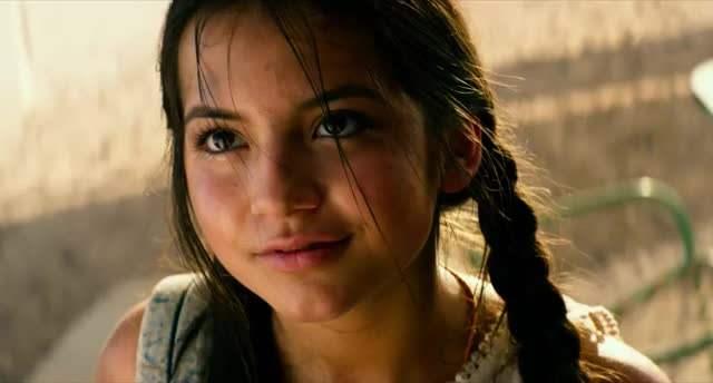 Watch and share Isabela Moner - Transformers 5 - 04 GIFs on Gfycat