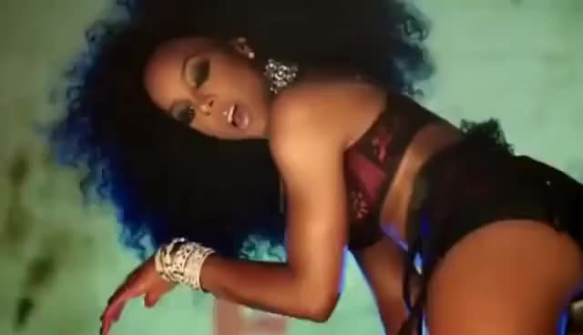 Kelly rowland's kinky ass pictures