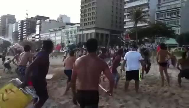 Watch and share Banhistas Expulsam Guarda Municipal Da Praia GIFs on Gfycat