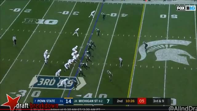 Watch and share Saquon Barkley Block GIFs by dadeuceizloose on Gfycat