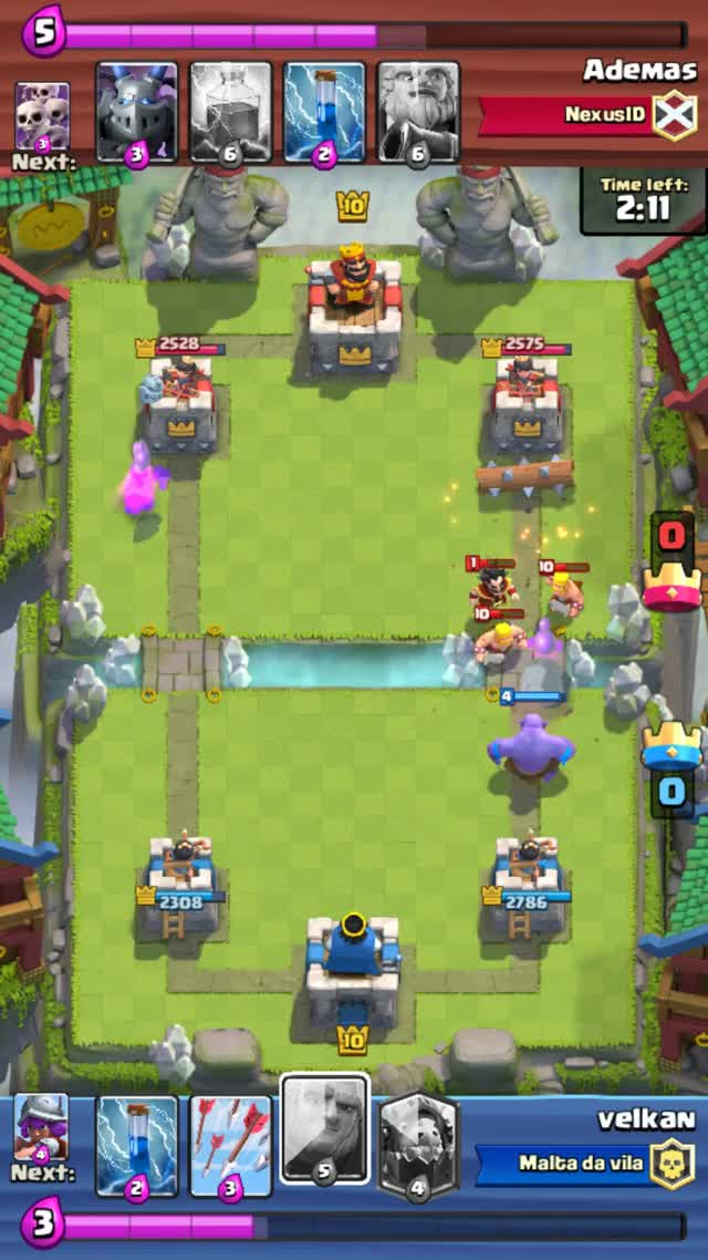 Watch and share Clashroyale GIFs and Bowler GIFs by velkan14 on Gfycat