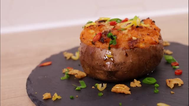 Watch and share Baked Sweet Potato GIFs and Solozaur Cooking GIFs by Solozaur Cookin on Gfycat