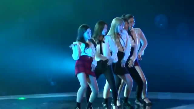 Watch and share 171124 Red Velvet - Red Flavor + Peekaboo @ Shilla Beauty Concert (720p 50fps H264-128kbit AAC) 1.mkv GIFs by tozima95 on Gfycat