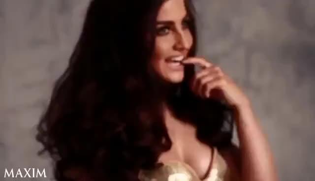 Maxim CoverGirl - Elli Avram