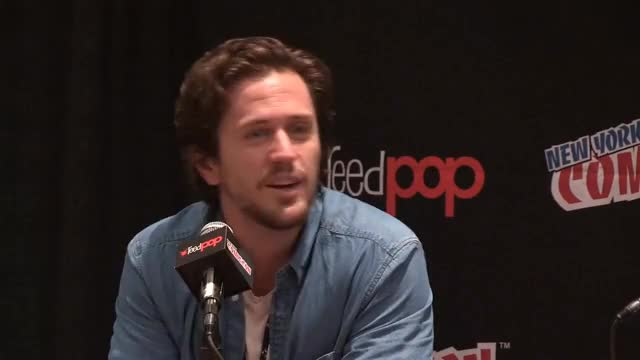 Watch and share NYCC 2017 - Pierce Brown GIFs on Gfycat