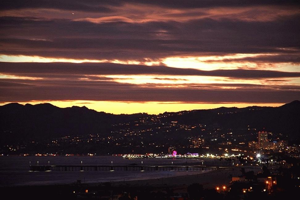 losangeles, Venice, Santa Monica, & Malibu at night [Gif] (reddit) GIFs