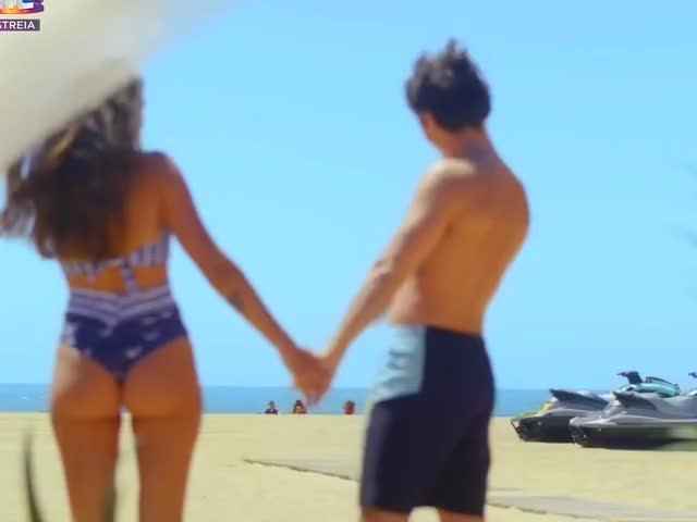 Watch and share Carolina Loureiro GIFs by giftugas on Gfycat