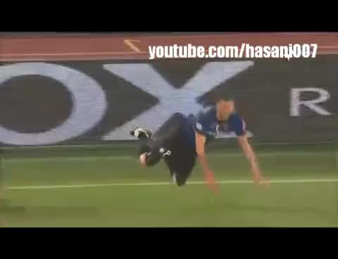 Totti Kicks Balotelli !! GIFs