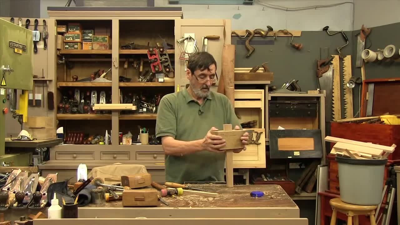 woodworking, How to make a Joiners Mallet (part 2) - with Paul Sellers GIFs