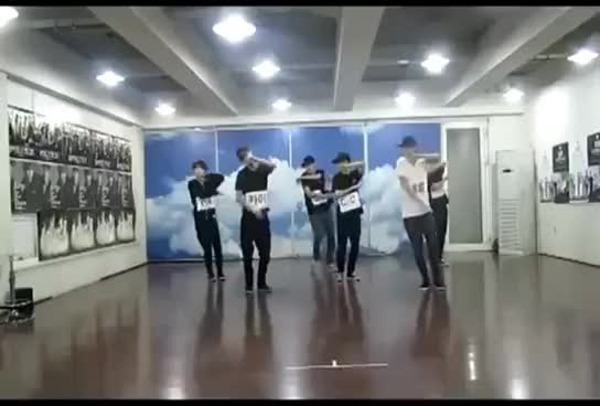Watch this trending GIF on Gfycat. Discover more dance, exo, mama GIFs on Gfycat