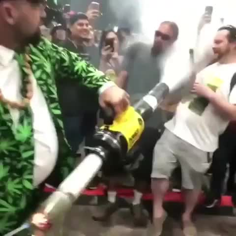 Watch Super bong rip GIF by unsurprised on Gfycat. Discover more amazing, awesome, bong, cool, funny, marijuana, pot, wtf GIFs on Gfycat
