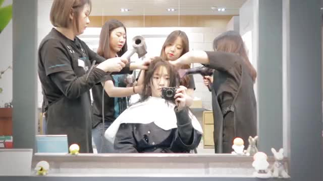 Watch this blow hair GIF by icecloudx (@icecloudx) on Gfycat. Discover more Kimsori, blow hair, blowing hair, blows hair, coco, cocosori, hair blowing, kimsori, sori, キムソリ, ソリ, 김소리, 소리, 코코, 코코소리 GIFs on Gfycat