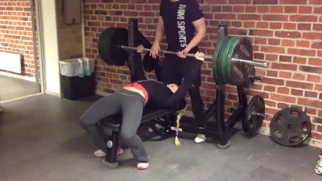 Watch Sarah Bäckman Bench Press GIF on Gfycat. Discover more Bench, Bench (weight Training), Fitness, Powerlifting, Press, Strength, Training, Workout, armbrytning, armwrestling, backman, benchpress, bäckman, champion, gladiator, sarah, world GIFs on Gfycat