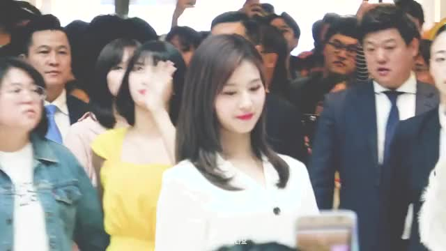 Watch and share Sana GIFs by 1001twice on Gfycat