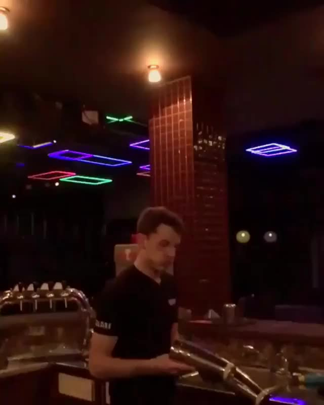 Watch and share This Bartender Has Serious Skills GIFs by Ah Negão on Gfycat